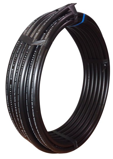 Tubería negra fabricada por Polyethylene Technology.