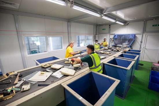 Los RAEE son el flujo de residuos que más está creciendo en todo el mundo, y alcanza ya un volumen anual de unos 50 millones de toneladas métricas.