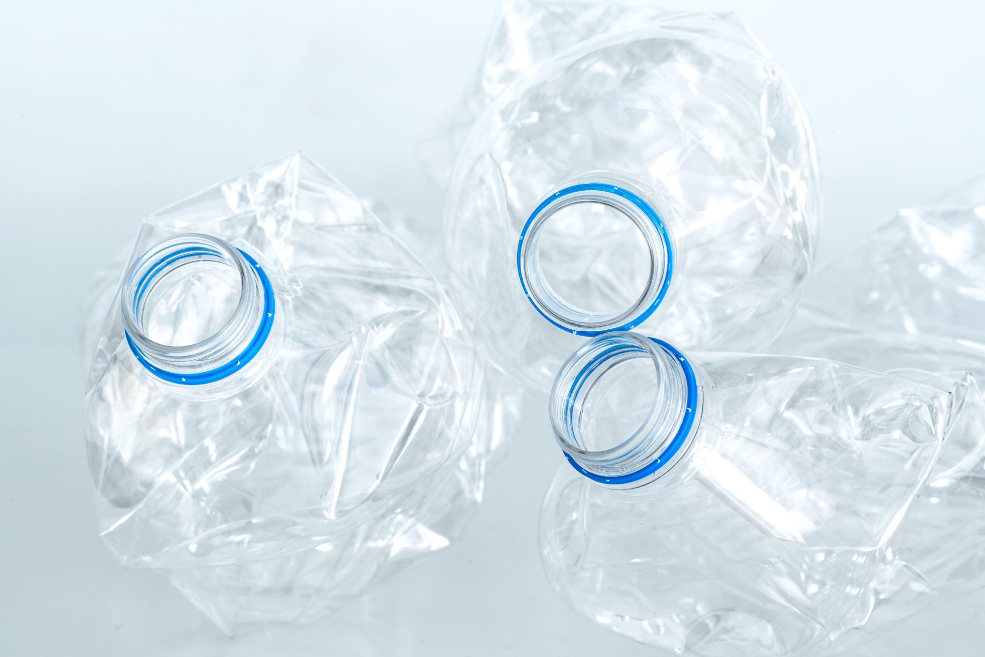 A nivel internacional, la cifra de consumo y producción de plásticos es de 400 millones de toneladaA nivel internacional, la cifra de consumo y producción de plásticos es de 400 millones de tonelada
