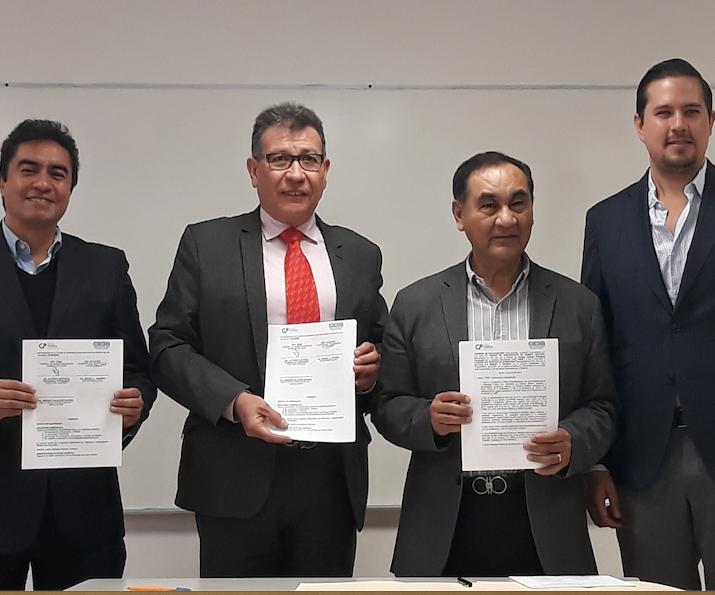 CIQA y Clúster de Plásticos de Querétaro firman convenio.