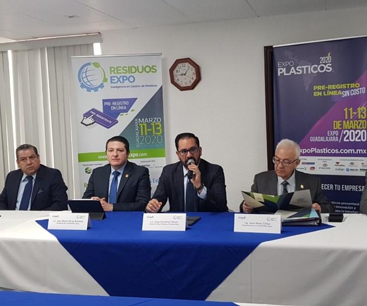 Presentación a medios de Expo Plásticos.