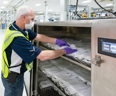 Ford y Ventec Life Systems: ventiladores y máscaras quirúrgicas.