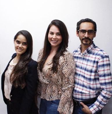 Scarlett Rangel, coordinadora de operaciones y gestión comercial; Sandra Moreno, gerente general, y José Luis Villanueva, gerente de operaciones.