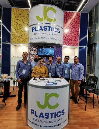 Rosalina Moreno, fundadora y directora de JC Plastics.