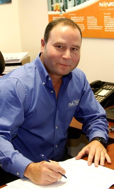 Ing. Jorge Blanco, gerente del departamento de equipos auxiliares de Plastec USA, compañía que representa a Maguire.