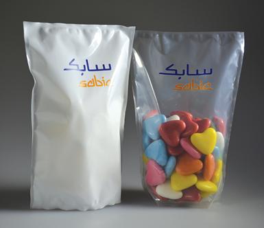 SABIC ve un gran potencial para reemplazar los envases tradicionales, como los envases rígidos de vidrio y metal.