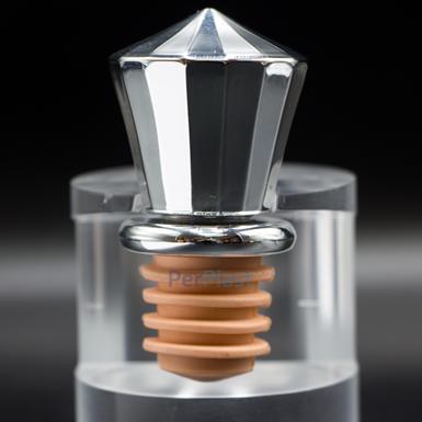 Propuesta de una tapa metalizada para botella de licor. Foto cortesía de Grupo Perplast.
