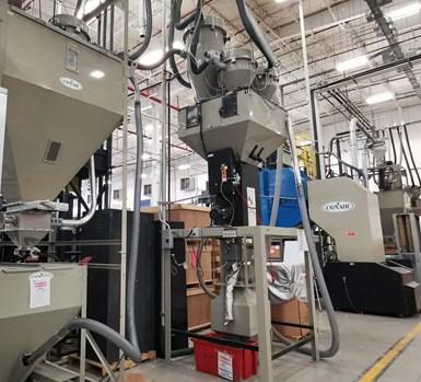 Además del sistema de enfriamiento, la planta cuenta también con un completo sistema de manejo de materiales.