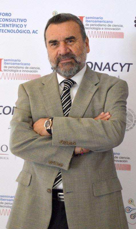 Enrique Villegas Valladares, director del CIATEQ en San Luis Potosí, durante su participaciión en Meximold.