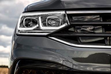 Utilizando material VeroUltraClear avanzado, Volkswagen puede replicar la claridad del vidrio para sus modelos prototipos impresos en 3D.