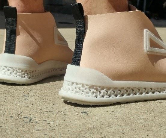 prototype from Footprint 3D exposes the lattices of the midsole