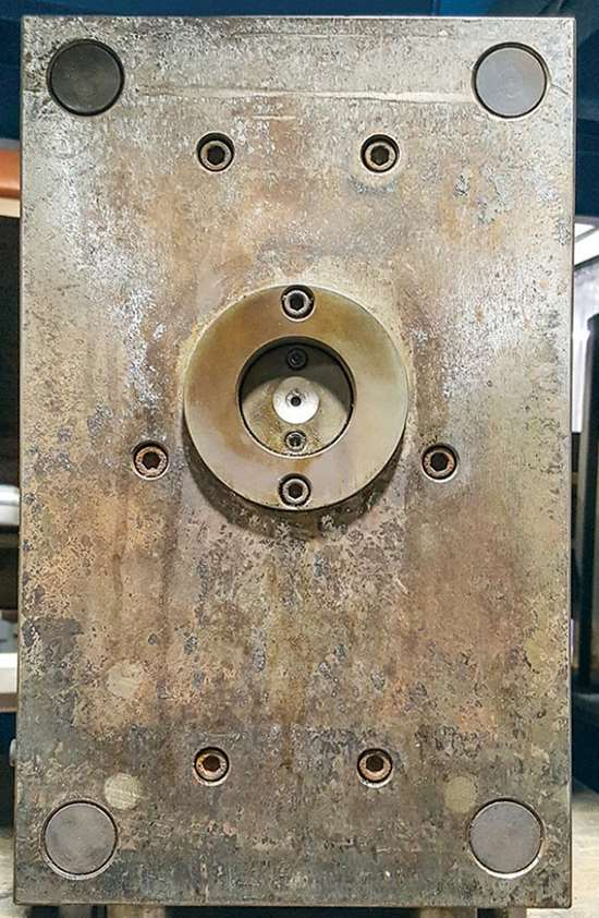 injection tool single offset cavity