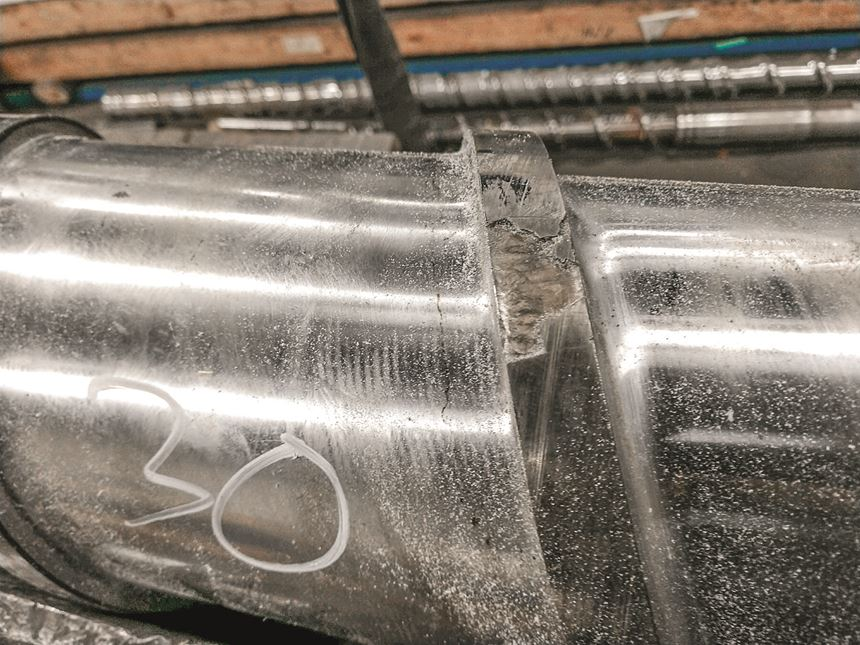 weld failure at flight plastics extrusion screw