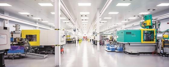ISO 8 molding cleanroom Nypro