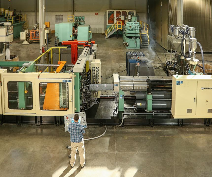 Wilmington Machinery Pallateer structural-foam pallet molding system