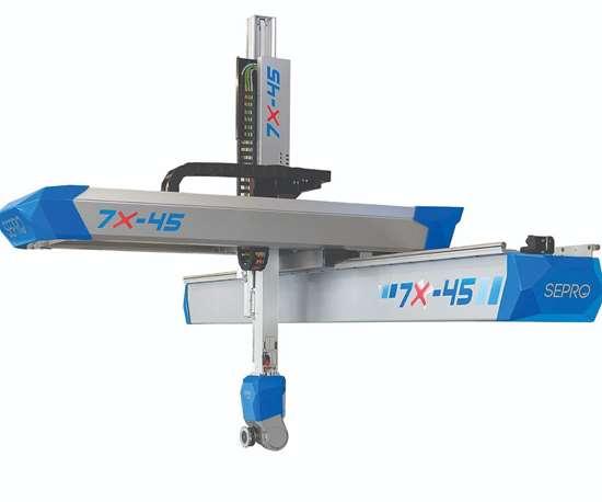 Sepro America 7X-45 robot with Staubli servo wrist.
