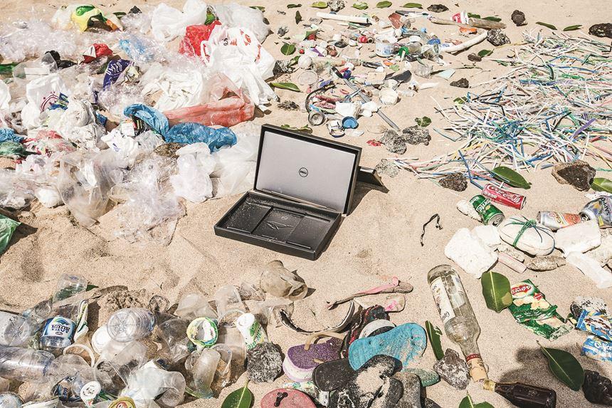 Dell ocean plastic