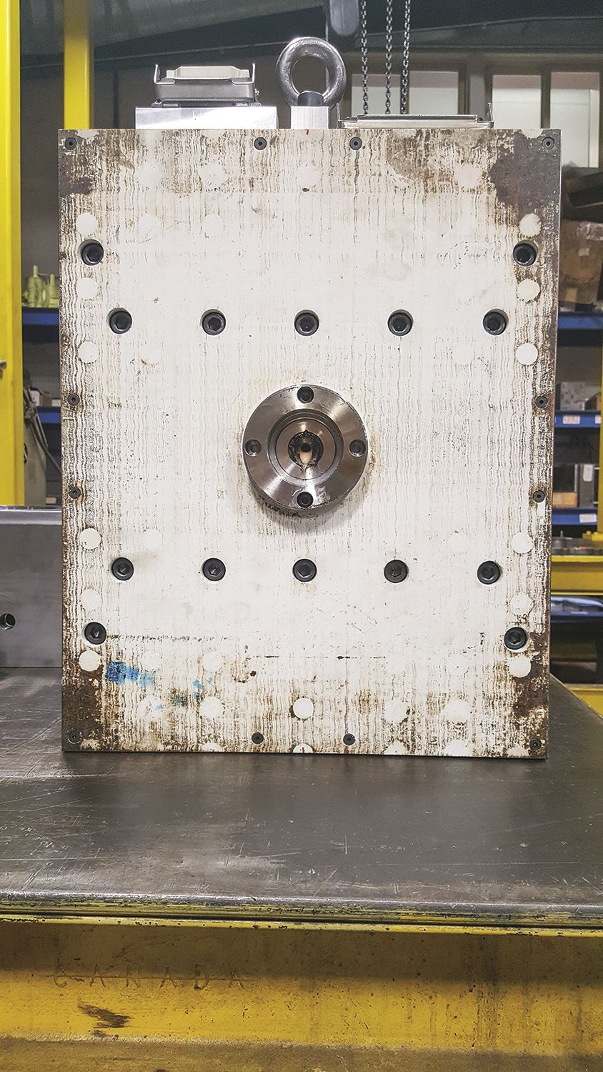 Injection mold insulator plate