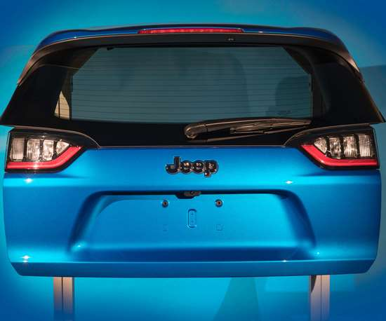 The body exterior winner was the thermoplastic liftgate that replaced a steel design on the 2019 Fiat Chrysler Jeep Cherokee SUV.