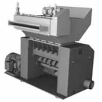 Granulator feed hopper with roll feed