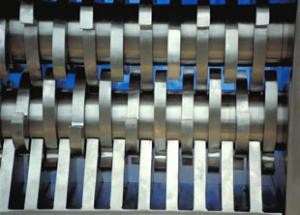 Cumberland two shaft shredder cutting chamber configuration