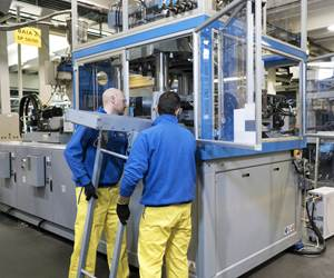 SIPA ECS SP stretch-blow machines get faster mold change.