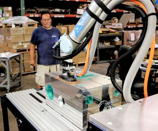 Dynabrade robotic sander on UR cobot.