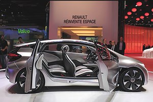 Door panels for Renault's popular Megane Coupe were selected for the lightweighting trial.