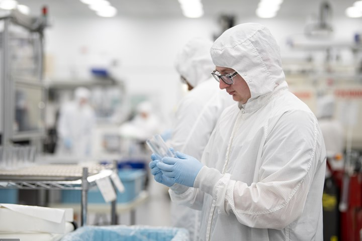 Phillips Medisize cleanroom injection molding