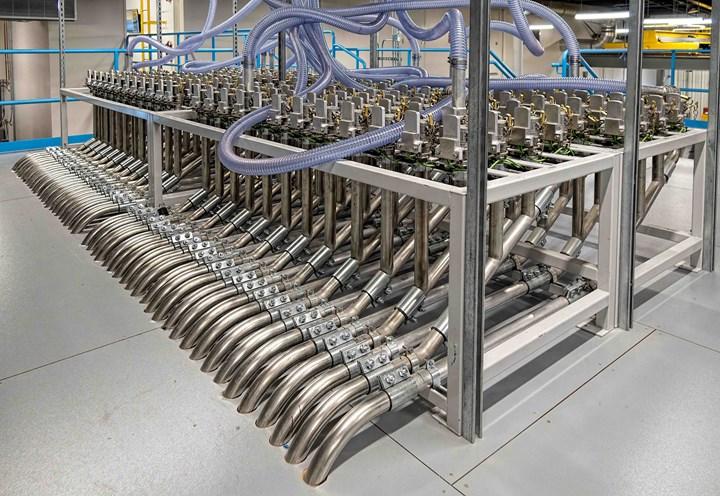 厂家的材料提供了这款Wittmann材料分配系统,拥有192个连接,所有RFID标记为错误打样。