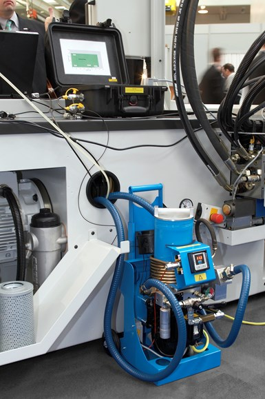 To achieve the necessary level of cleanliness, standard hydraulic oil should undergo microfiltration before being pumped into the molding machine tank.