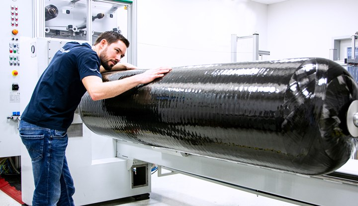 Breaking barriers for engineered blow molding: 320-liter hydrogen fuel-tank liners in nylon. (Photo: Kautex)
