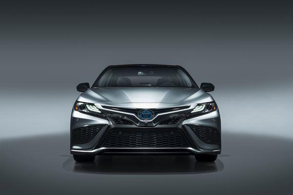 Toyota Advances Sedans for 2021 image