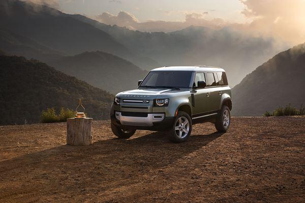 2020 Land Rover Defender 110 SE image