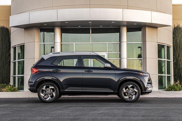 2020 Hyundai Venue Denim image