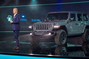 2021 Jeep Wrangler 4xe: Electrifying image