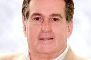 Former UAW, GM Exec Ashton Gets 30 Months in Prison