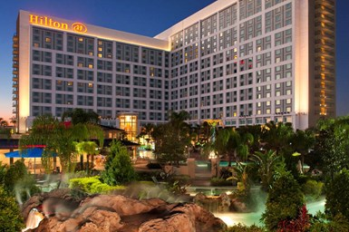 The Hilton Orlando offers 249,000 square feet of meeting space.
