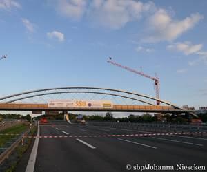 German railway bridge suspended on CFRP hangers