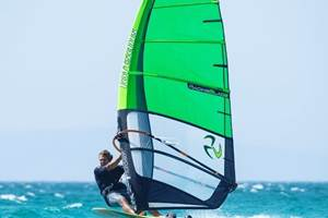 Carbon fiber windsurf fin incorporates Sicomin bio-based epoxy resin