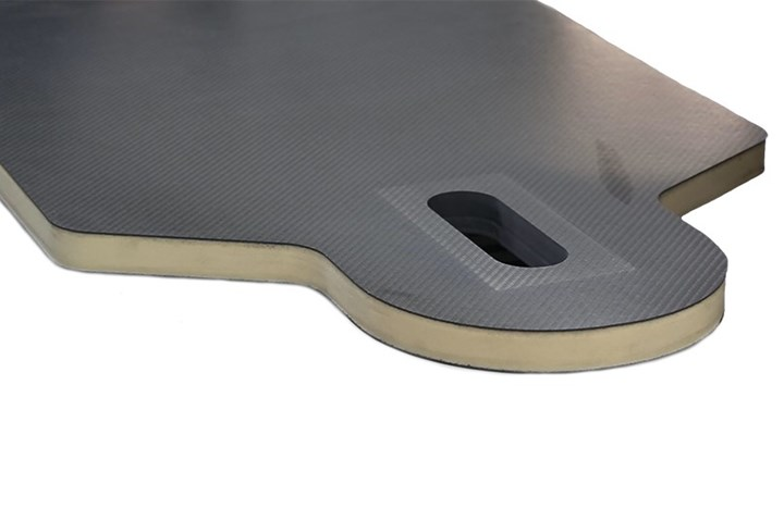 medical positioning table with carbon fiber composite sandwich panel