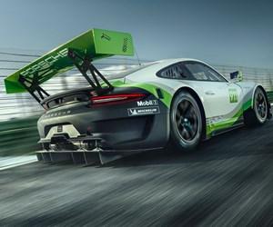Porsche racecar with composite mounting bracket
