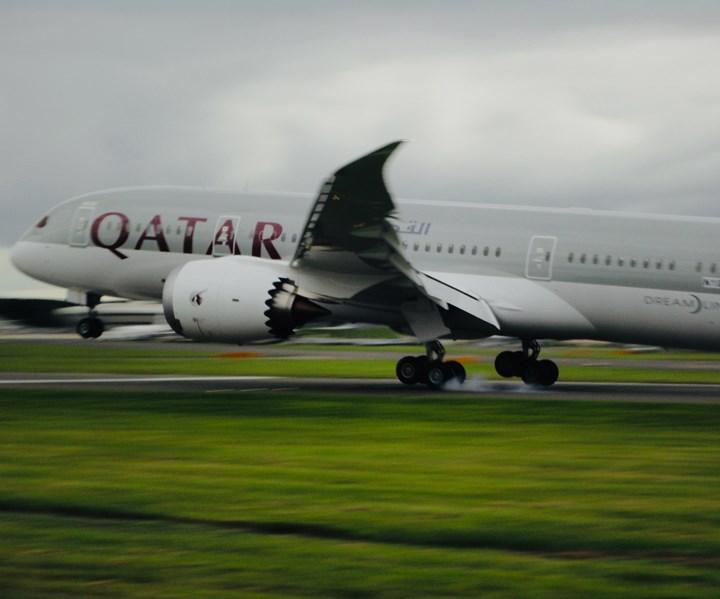 Boeing 787 landing, Farnborough Air Show 2012; Jeff Sloan
