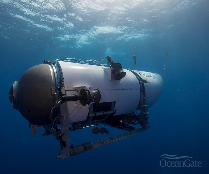OceanGate composite submersible using Toray carbon fiber prepreg pressure vessels
