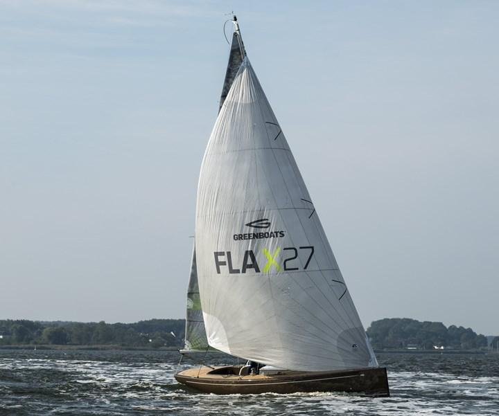 łódź kompozytowa z naturalnych włókien wykorzystująca biologiczne żywice Sicomin