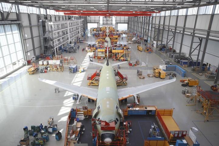 Airbus A320 hangar