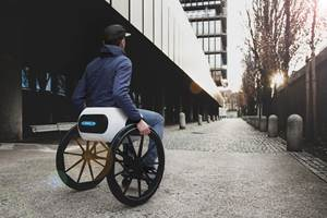 Portable, lightweight active wheelchair design eases travel accessibility