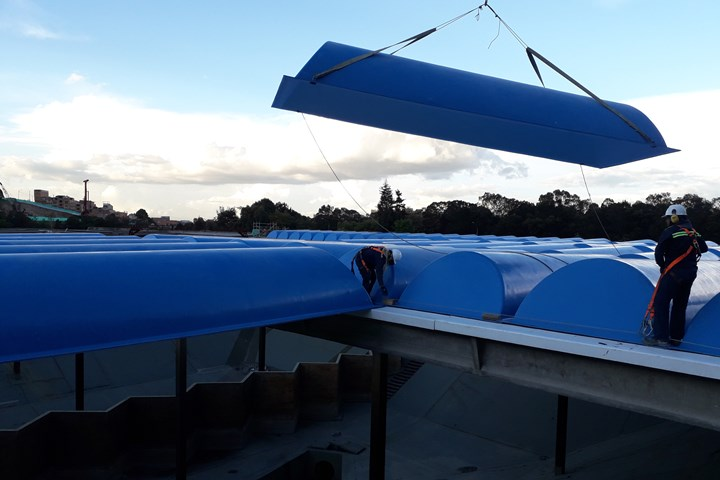 Soling composite covers for Bogotá Casablanca tank, install