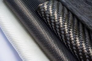TRB轻质结构公司内部生产预浸料,以简化零件生产