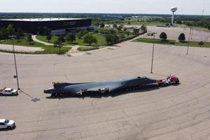 空军,WSU-niar研究了遗产B-1B轰炸机机身的运作影响